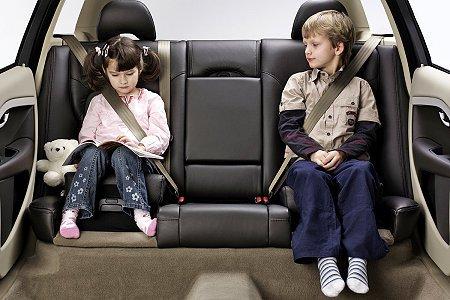 volvo所研发内建式儿童安全座椅获得了世界交通安全论坛的高清图片