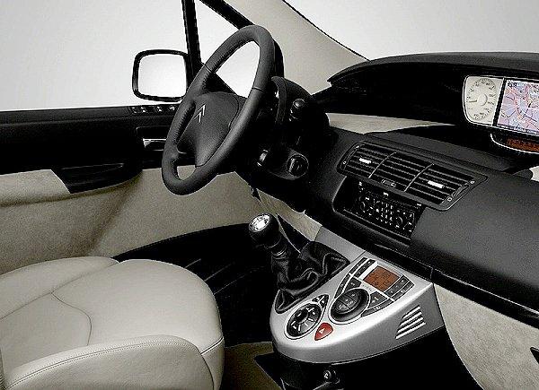快讯 CITROEN C8顶级休旅车小改款正式公布原厂新照