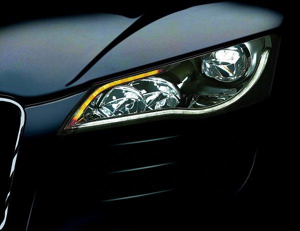 发现照明新趋势 飞利浦led汽车头灯亮眼豋场高清图片